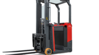 The E10 electric forklift truck from Linde Material Handling is suitable for a wide range of applications, even in the tightest spaces.
