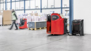 Sustainable energy system - Linde pallet truck powered by Linde's Li-ION technology