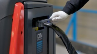 The N20 order pickers from Linde Material Handling with lithium-ion batteries