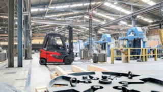 Linde Material Handling E30 in use in the wire industry