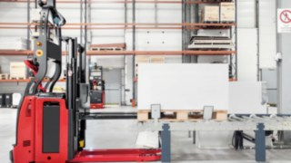 automated_truck-loading-retail-4291_0649