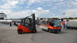 Linde rental truck in use