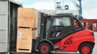 Linde forklift container capability