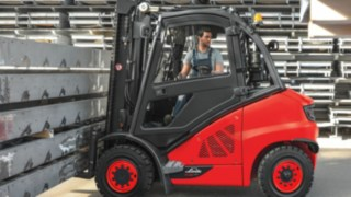 Linde ic-truck moving