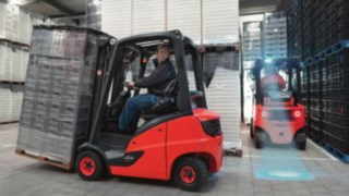 Linde IC-truck moving load