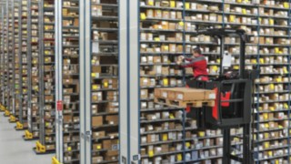 Ergonomic picking in the high-rack storage with the Linde V Modular