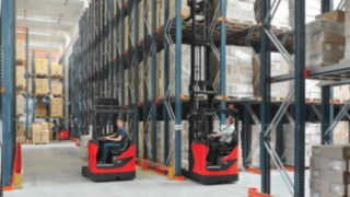 Linde R14 - R17 X reach trucks in high rack warehouses