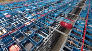 Material flow in a Linde Material Handling warehouse