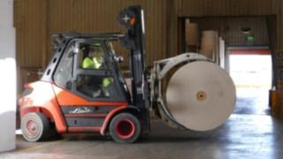 barcelona_cartonboard-ic_truck-moving-paper_wood-1040071