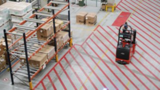 Schneider Electric uses two automated L-MATIC AC forklifts from Linde Material Handling.