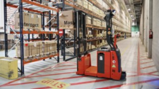 Automated L-MATIC AC pallet stacker from Linde Material Handling operates at Schneider Electric