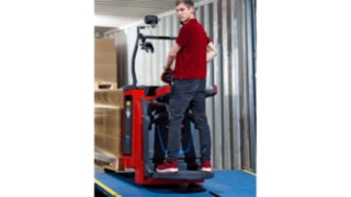 The new pallet trucks and double stackers from Linde Material Handling
