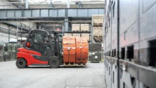 Linde Material Handling's new hydrostats in the load capacity range of 2.0 to 3.5 tons.