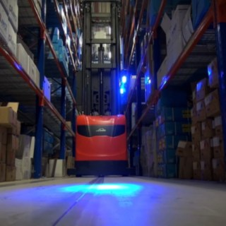 Video of a customer's operations: Linde has implemented semi-automated, narrow-aisle navigation at the Dutch MegaGroup.